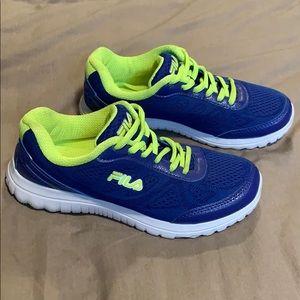 Fila   Running Shoes
